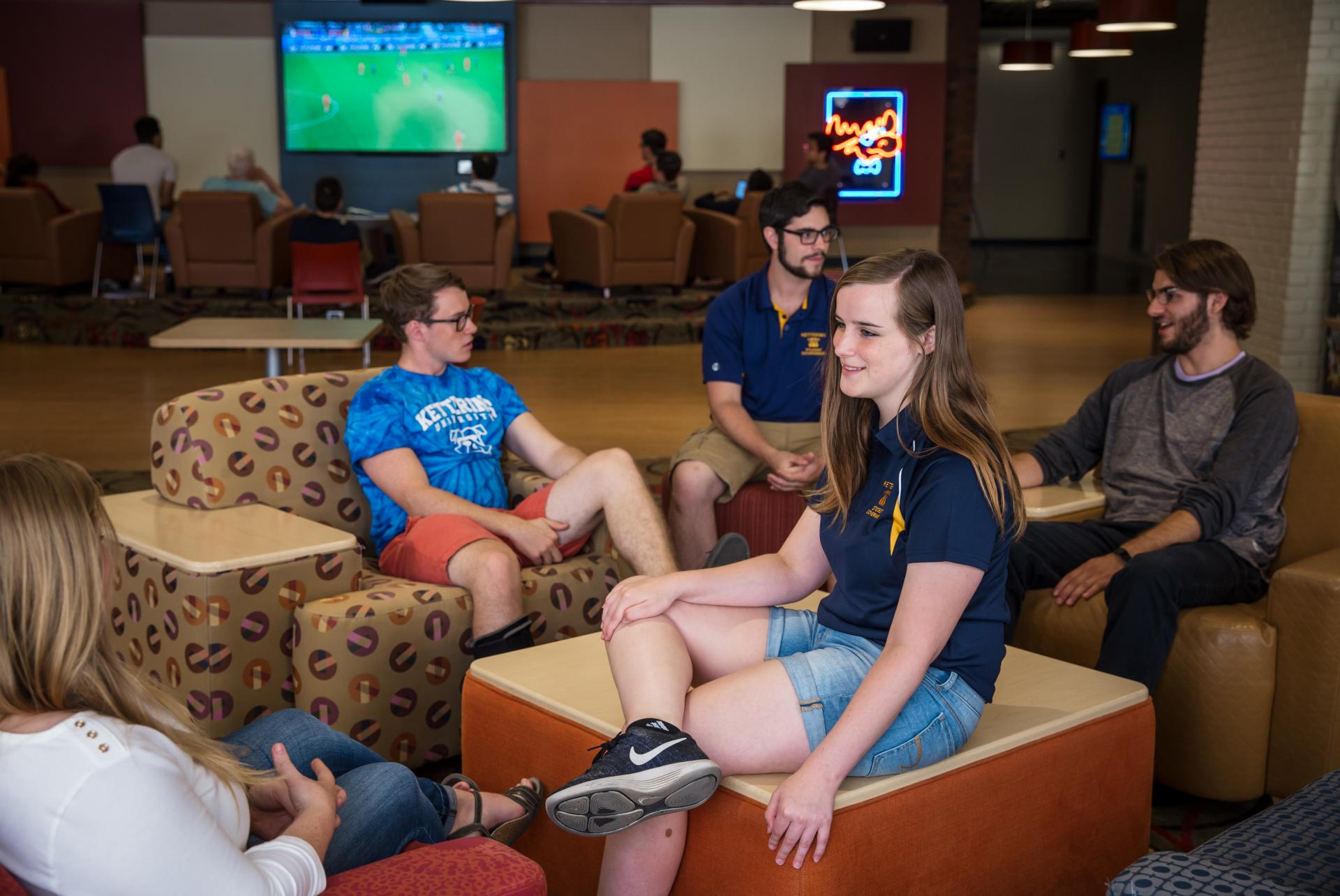Students enjoy time in BJ's Lounge