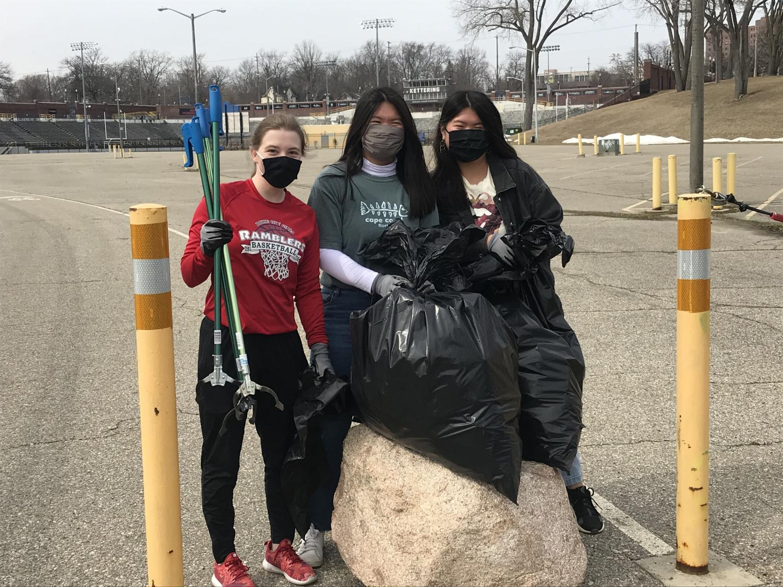 Kettering University students help with clean up around Flint in March 2021.